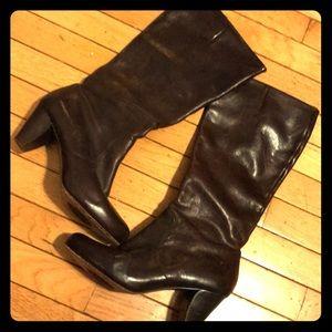 Lisa tall Frye boots -inside zip